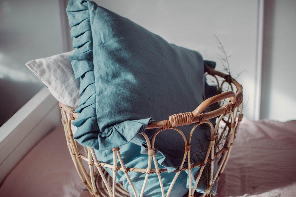 lniana poduszka z falbanką