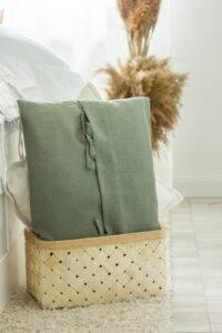lniana poduszka z troczkami eukaliptus