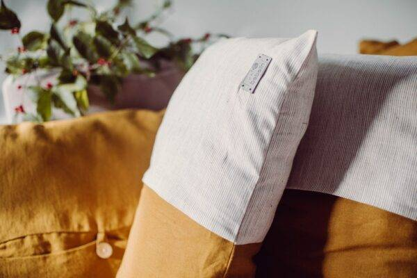 Linen decorativecushion ecru