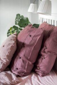 poduszka z guzikami