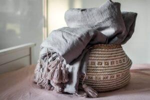 Linen quilt with tassels