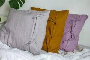 lniana poszewka na poduszką z troczkami