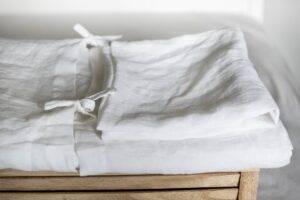 lniana poszwa na kołdrę z troczkami biała