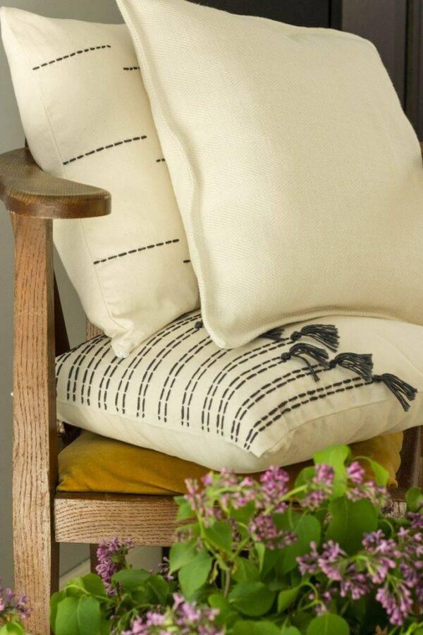 poduszka dekoracyjna w jodełkę