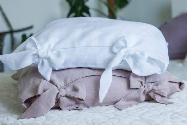 lniana poszewka na poduszką z kokardami