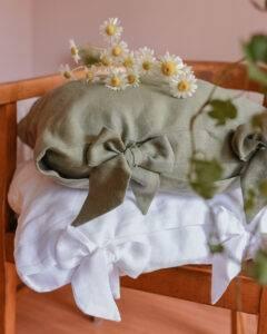 lniana poszewka na poduszkę z kokardami eukaliptus